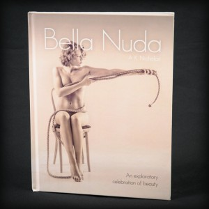 bella-nuda-art-photobook