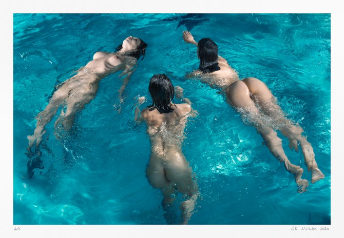 Contemporary figure study: Three nudes floating | original limited edition