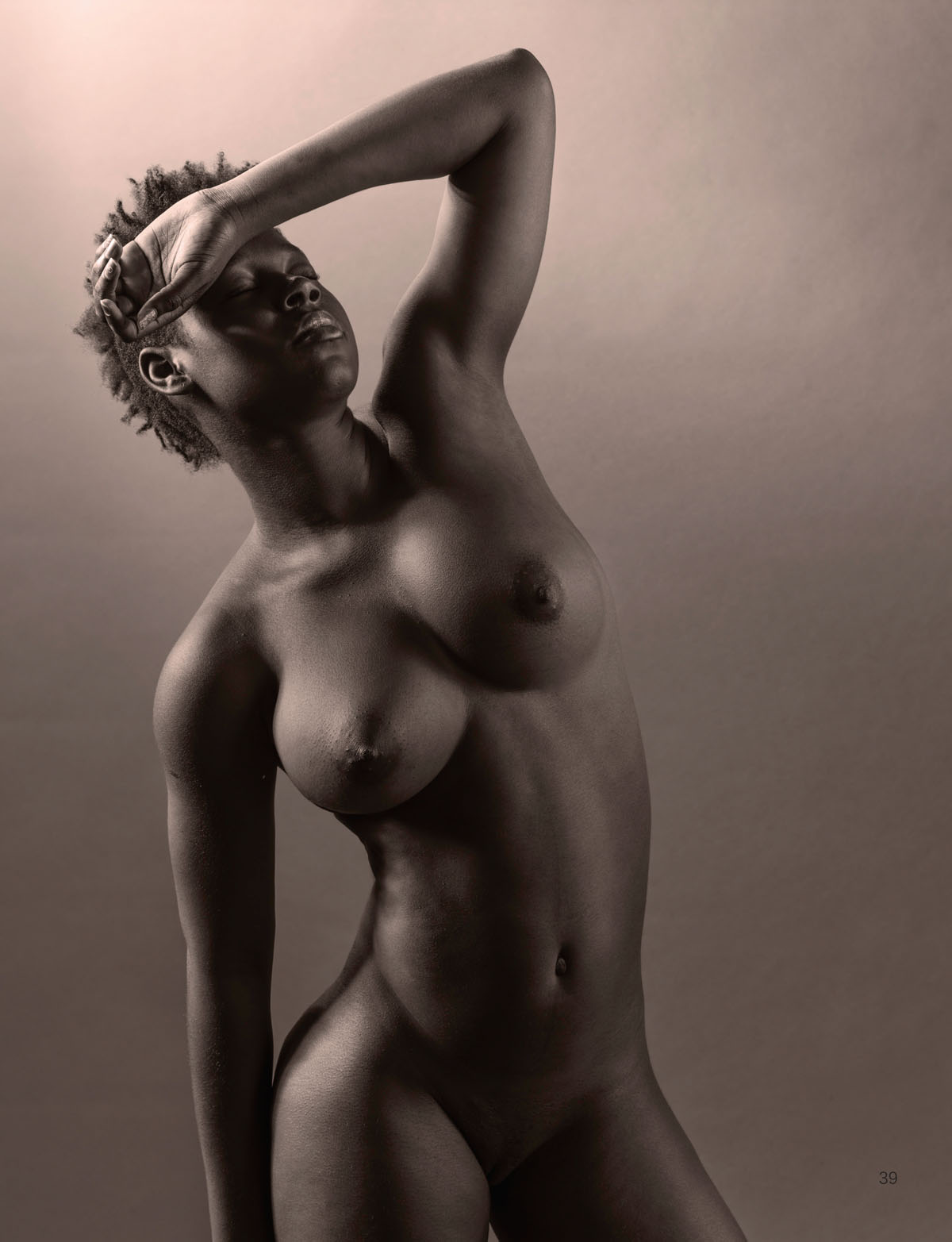 Page from Bella Nuda hardcover art nude photobook