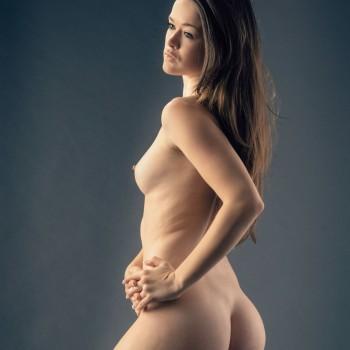 Page from Bella Nuda hardcover art nude photobook